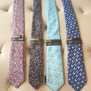⭐️ Four New Dockers Ties with tags attached